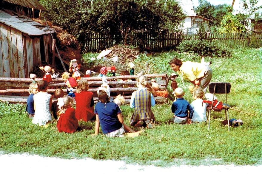 Alina Stanowska w pracy z dziecmi