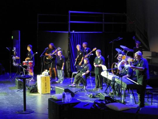 Otwarcie - Muzykoterapia Społecznościowa (koncert zespołu złożonego z osób niepełnosprawnych)